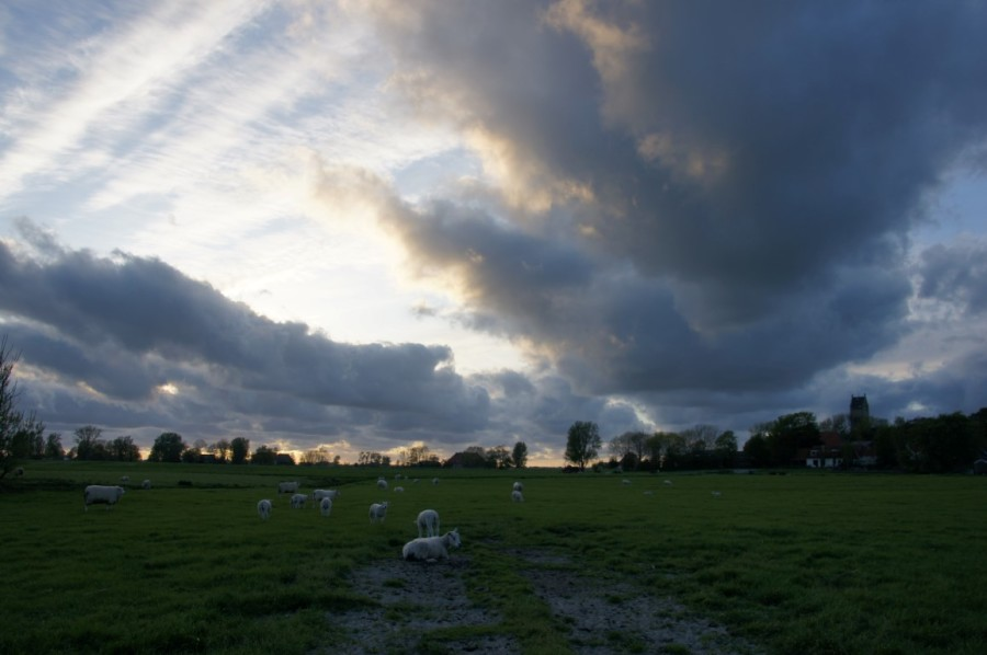 clouds in last light friesland jorwert
